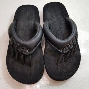 Beach Sandal Company toe separating flip flops